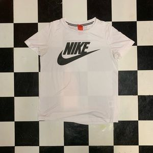 Comfy Nike T-Shirt - Size M